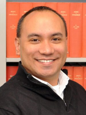 Faculty Headshot for Wayne Enanoria