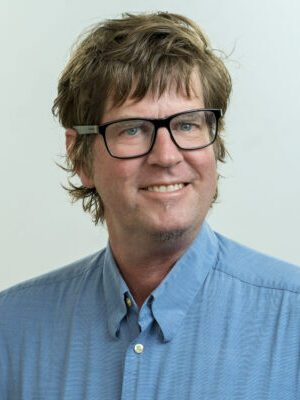 Faculty Headshot for Alan Hubbard