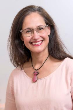 Faculty Headshot for Barbara Laraia