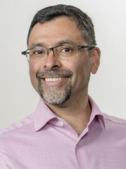 Faculty Headshot for Gustavo Valbuena