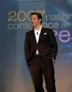 Richard Florida presenting his key note address at the National Conference on the Creative Economy © Unknown   Wikimedia Commons