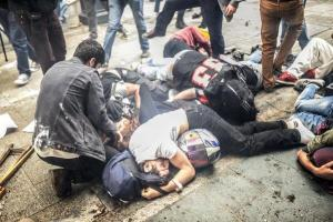 Demonstrators overwhelmed by tear gas during Gezi anniversary protests © Unknown | Revolution News