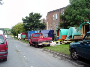 Roma encampment, Cowm Park Way, Whitworth, UK © Dr Neil Clifton | geograph.org.uk