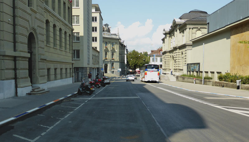 NEUstadt-lab 20stops no 10 curbstones (Hodlerstrasse) (1/6)