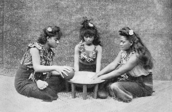 3 Samoan girls making ava, 1909