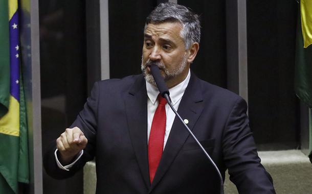 Pimenta: não houve convicção e sim conspiração contra Lula