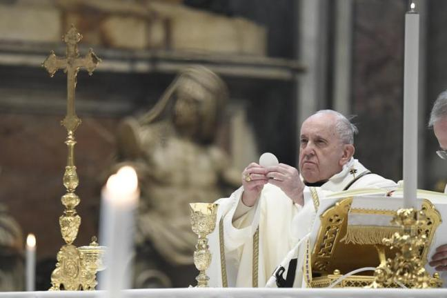 Pope Francis on Corpus Christi Sunday: 'This Is the Logic of the Eucharist:  We Receive Jesus Who Loves Us'| National Catholic Register