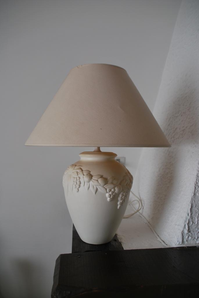 des materiaux diffrents  des styles divers  lampes  applique  lampadaires doccasion tres