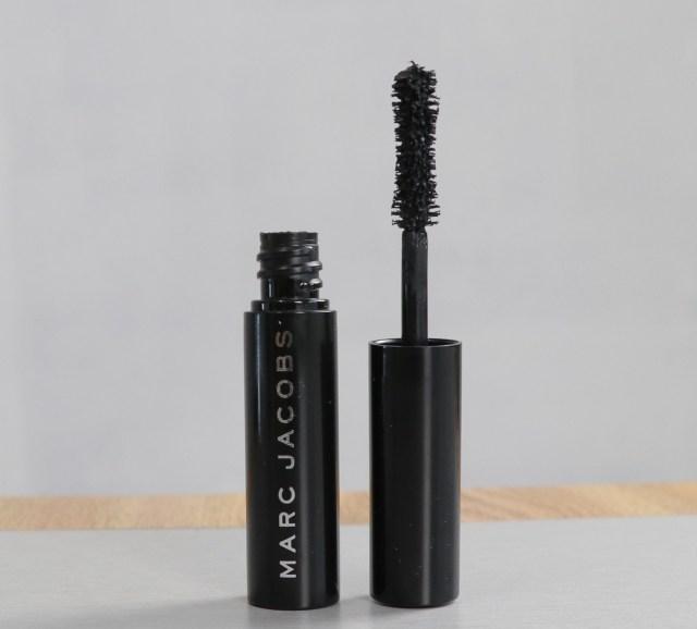 Marc Jacob's Velvet Noir Major Volume Mascara in Noir