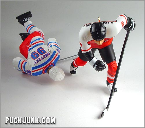 Wayne Gretzky and Eric Lindros ornaments