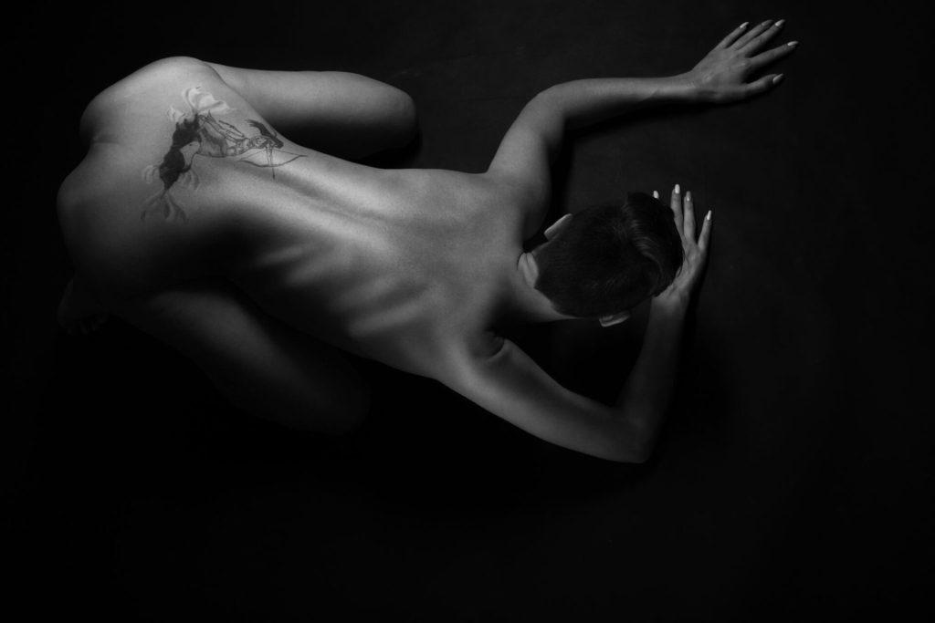black&white act