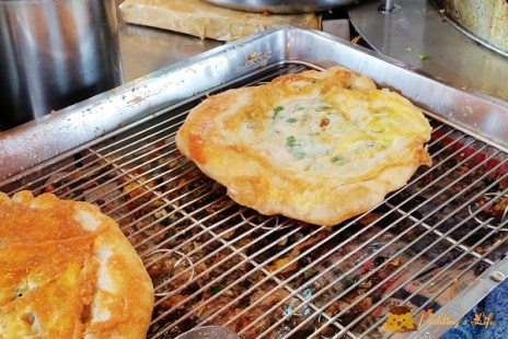 【食記-宜蘭】冬山火車站附近炸蛋蔥油餅《冬山金珠蔥油餅》似礁溪柯氏蔥油餅