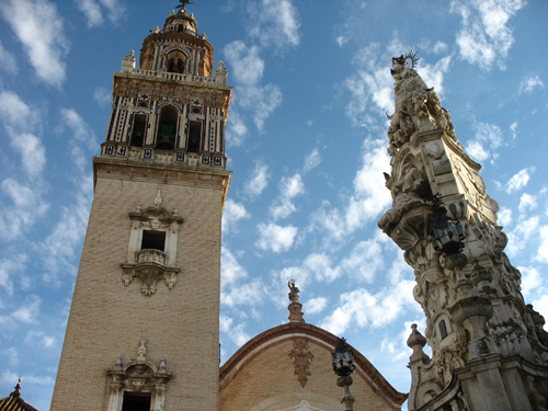 ecija_torre santamaria_monumento_virgen