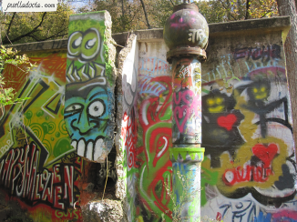 Amazing graffiti on ruins - Atlanta, GA