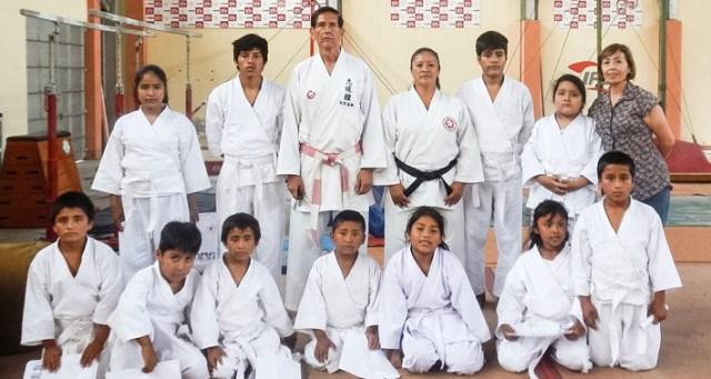 2016 Karatepruefung gruppe