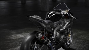 bmw-hp4-race-06