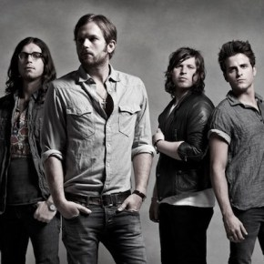 Kings of Leon estrenaron su nuevo single 'Supersoaker' en directo