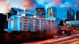 sheraton_bellevue_exterior_night
