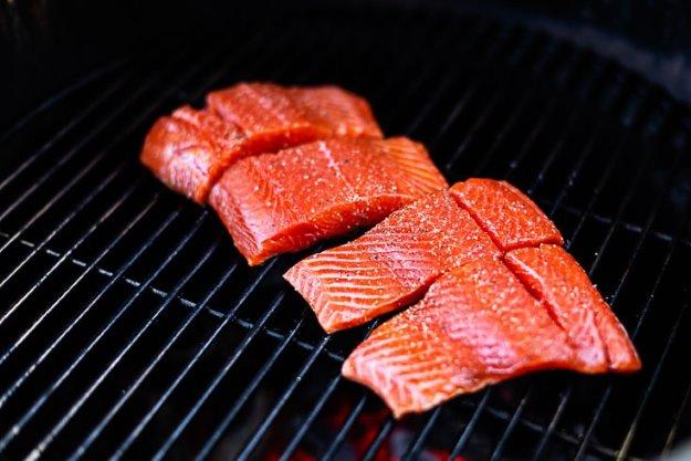 sockeye-salmon-on-grill-skin-side-down