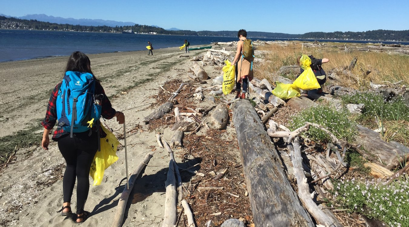 Soundkeeper volunteers clean up the shore of Blake Island during the 2015 International Coastal Cleanup.