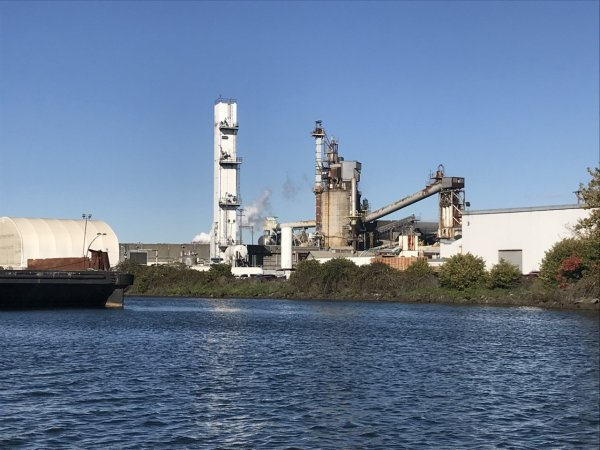 Ardagh Glass Facility on the Duwamish River