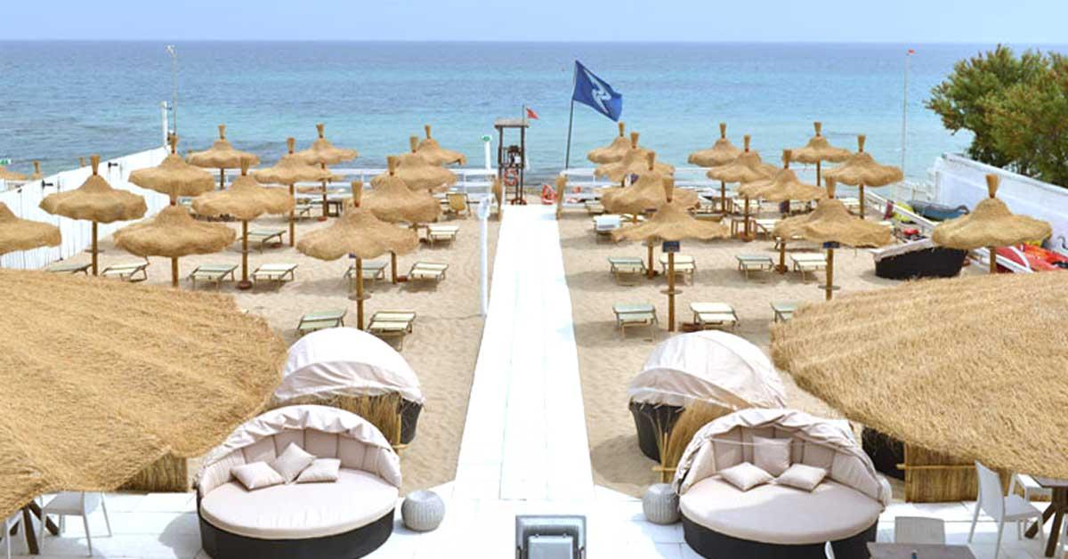 spiaggia attrezzata monopoli