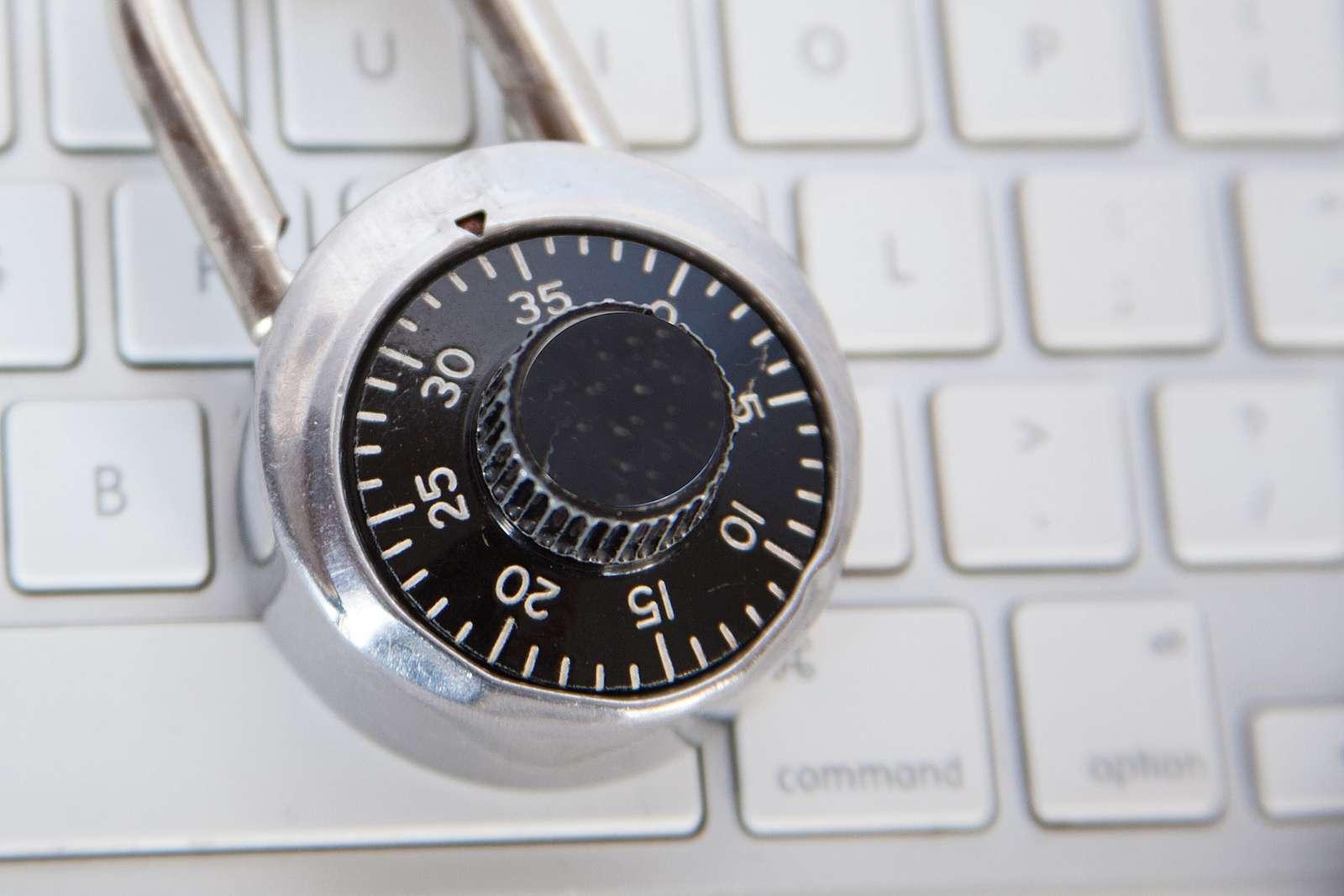 Wkierunku systemowego cyberbezpieczeństwa – przegląd dotychczasowych strategii iwnioski dla nowego otwarcia