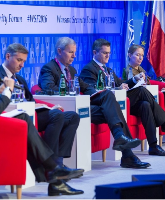 Discussion on the policy of Western countries towards armed conflicts at the Warsaw Security Forum 2016