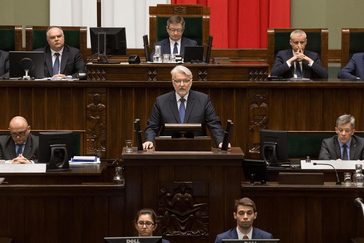 """KOMENTARZ: """"Polityka bezpieczeństwa będzie nadrzędnym priorytetem"""" – wyważone expose Ministra Waszczykowskiego"""