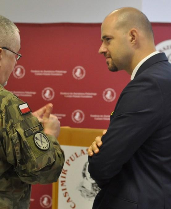 POLSKIE RADIO 24 | Prezes FKP Zbigniew Pisarski: Polskiej armii potrzeba więcej praktycznych ćwiczeń