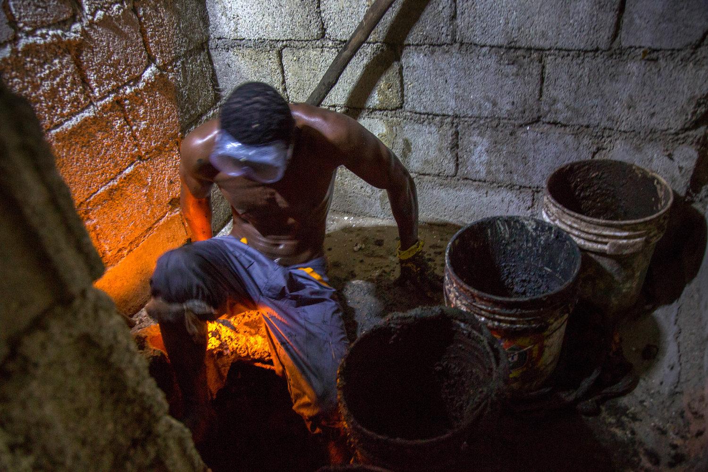 Haitis Bayakou Hauling Away Human Waste by Hand