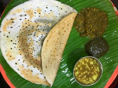 Tirunelveli Dosai along with Odacha Milagaai Pachadi, Puli Illa Keerai and Ilaneer Rasam