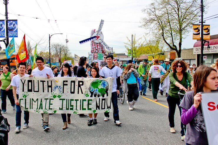 Bandidas rocks (and parades!) on Earth Day for Pull Together
