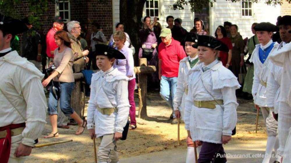 colonial-parade---PullOvera