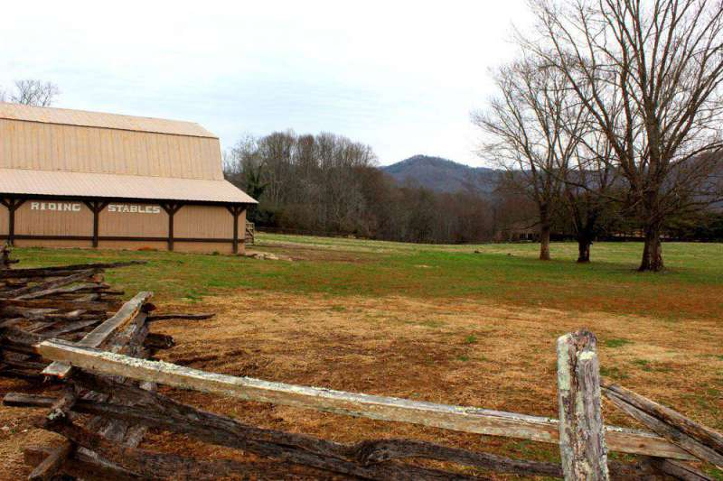 Riding-Stables-at-Dillard