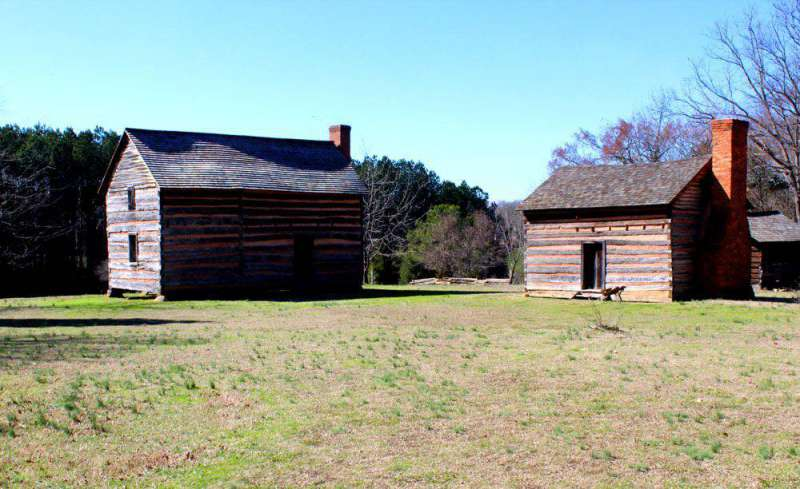 cabins-at-Polk-birthplace