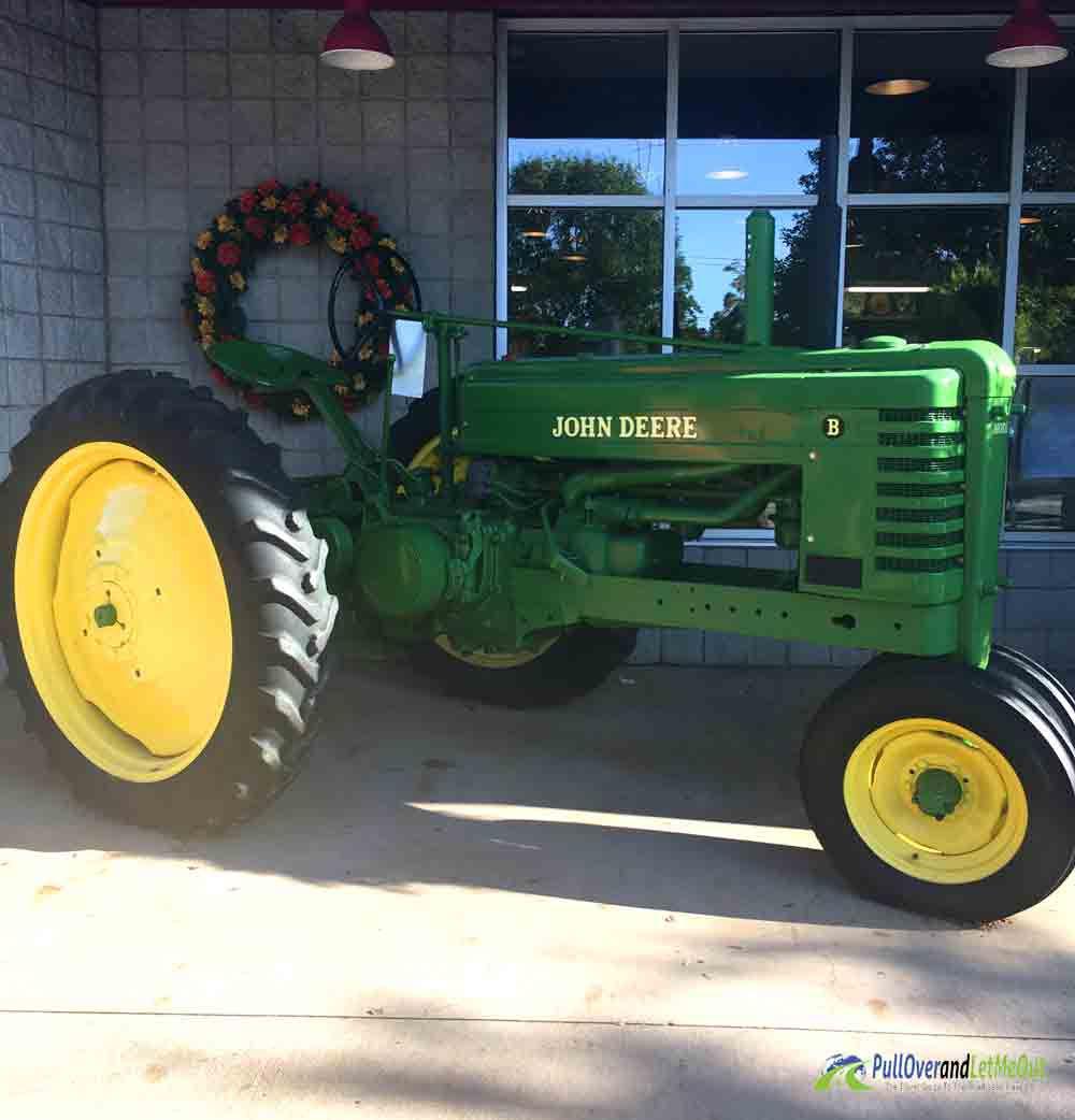 tractor-NC-Farmers-Market-PullOverandLetMeOut