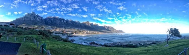 Maiden's Cove with Twelve Apostles in the background