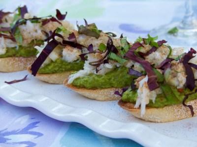 Dungeness crab and pea puree crostini
