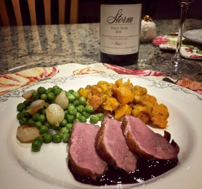 Thanksgiving-and-Pinot