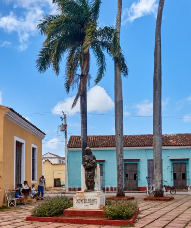 Remedios statue 1
