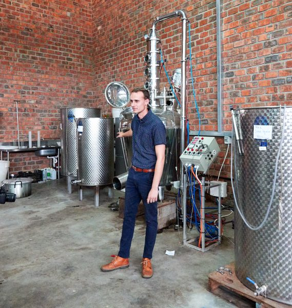 Distilling apparatus at Erongo