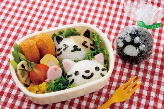Turn japanese rice balls into adorable cat shaped lunches with amazonif youre ready to make your own nyan onigiri you can purchase the arnest kit from amazon solutioingenieria Choice Image