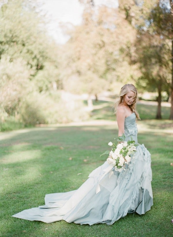 8bc28bf0e89e 15 Stunning Brides Who Didn't Wear White And Absolutely Rocked It