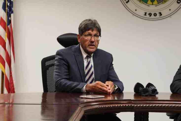 Sobre la mesa cambio a cuatrimestres en nueve recintos de la UPR