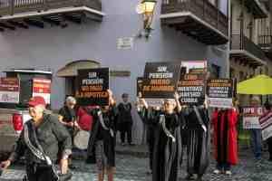 Profesores de la UPR convocan vigilia frente a Fortaleza