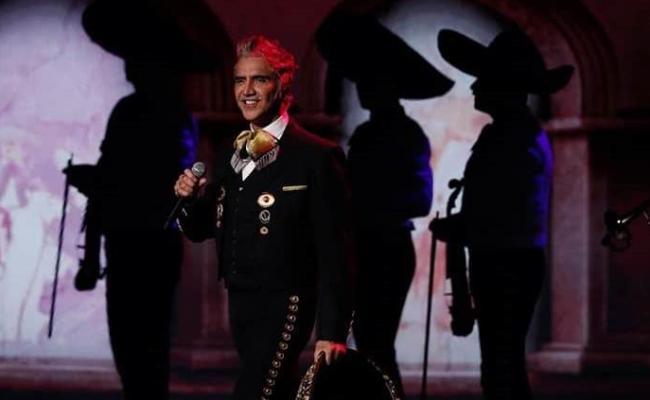 Alejandro Fernández Muestra Sus Raíces Con Hecho En México