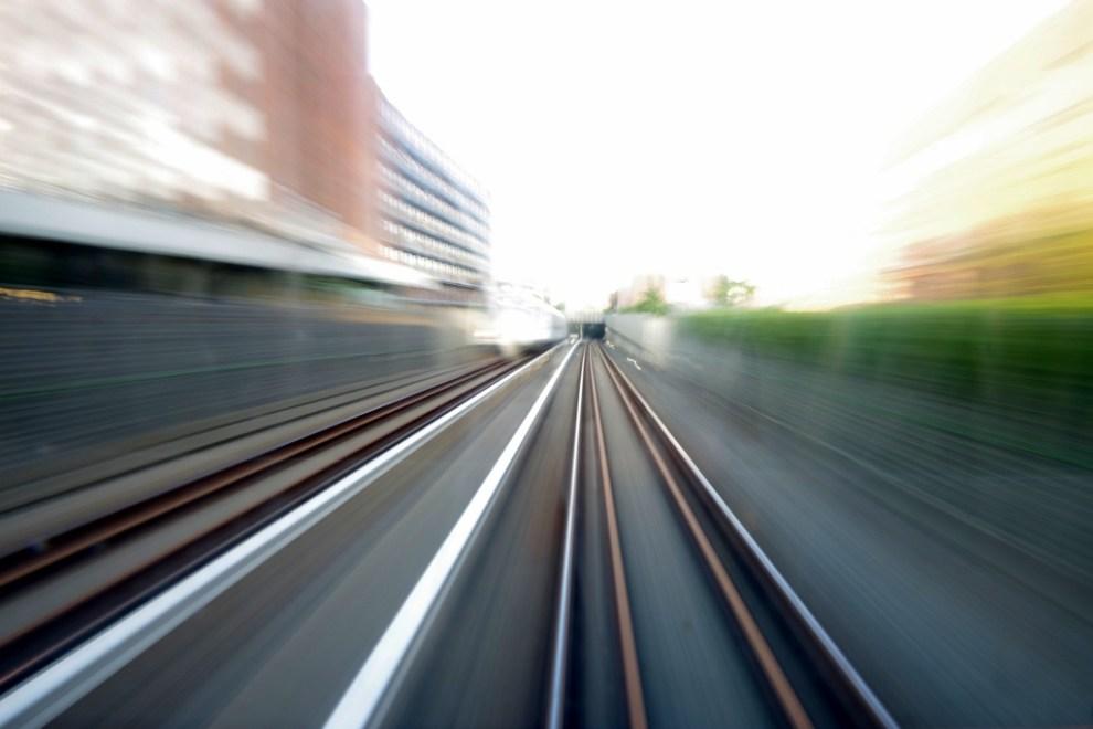 train (1024x683)