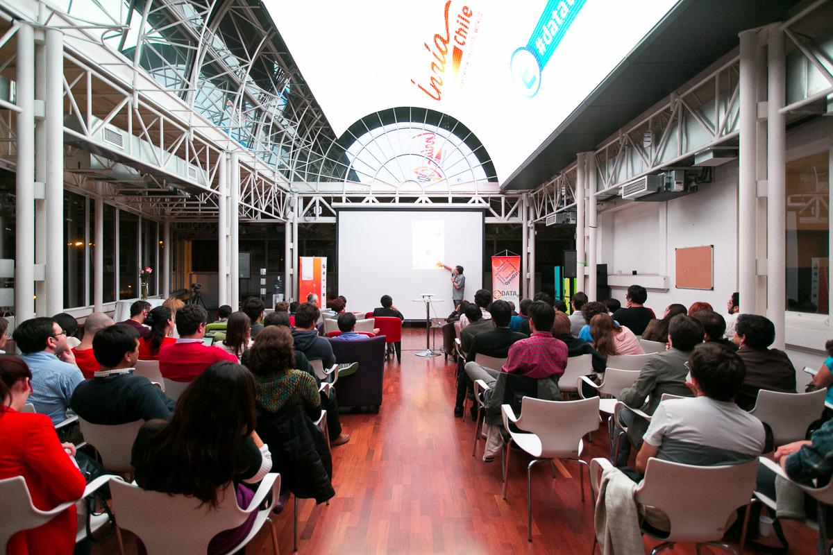 En el Centro Movistar Innova se realizó el DataTuesday.