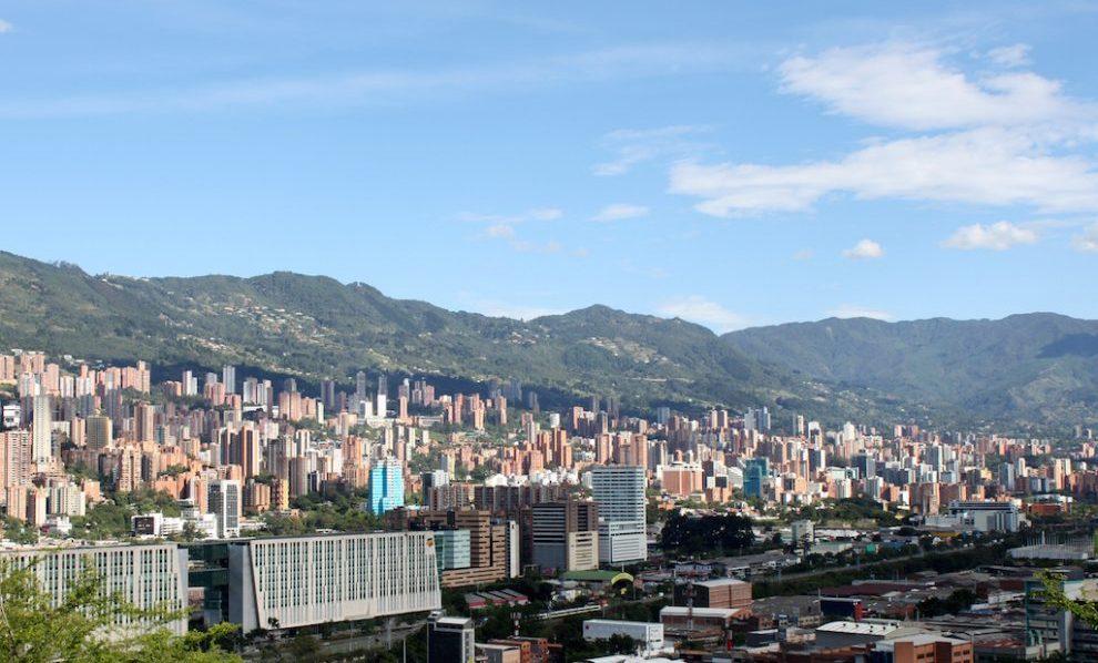 Lanza un negocio global desde Colombia con Socialatom Ventures y Ruta N